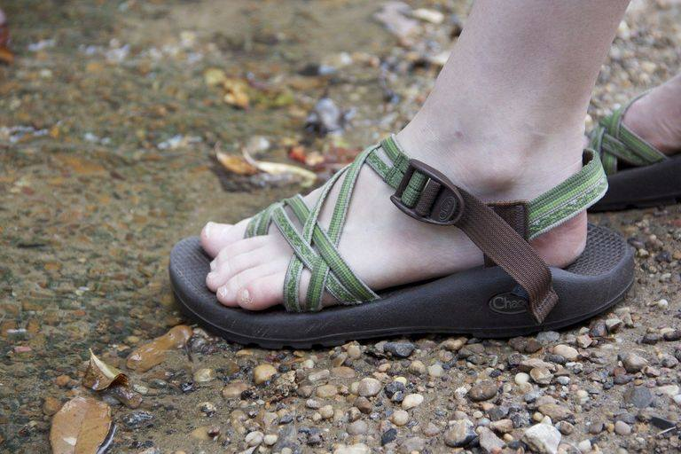 how should chacos fit