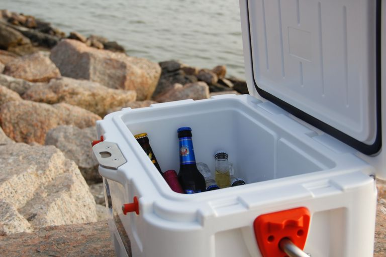 a way to keep food cold when camping